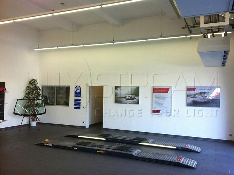 03-Luxstream-LED-Lichtband-Werkstatt-01