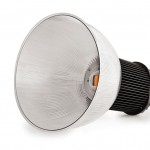 Luxstream_LED-Industriestrahler_200W_mit_45_Polycarbonat_Reflektor
